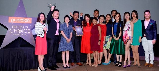 Guardian PCA 2015 - Caroline Mak with Most Voted Brand Maybelline's team