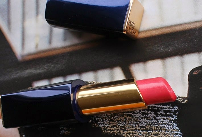 Estee-Lauder-Pure-Color-Envy-Shine-Sculpting-Lipstick-Suggestive-coral