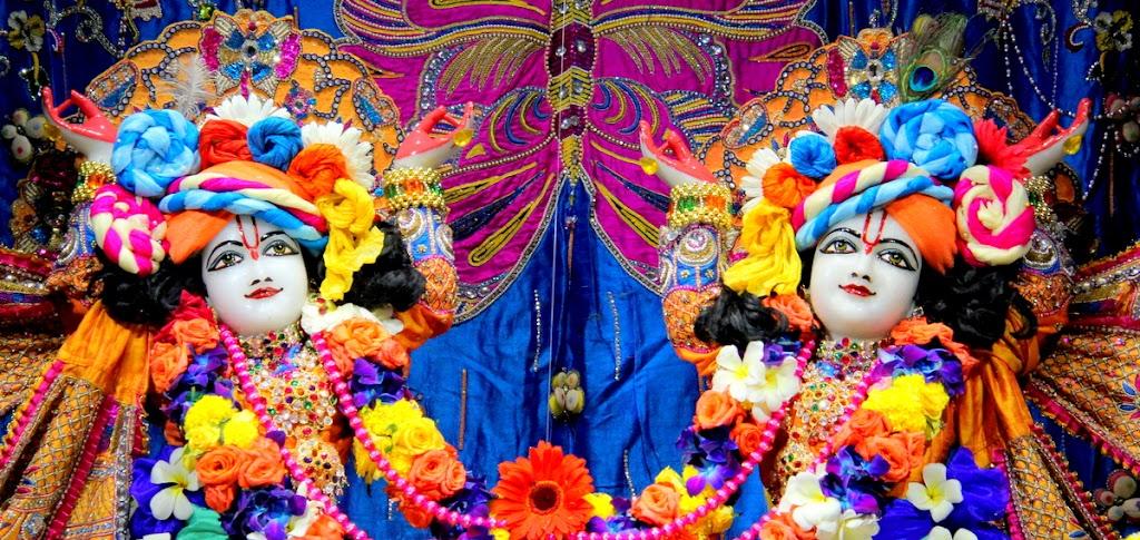 ISKCON Juhu Sringar Deity Darshan 14 Jan 2016 (17)