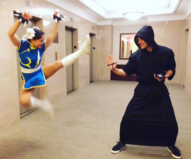 Finish him! Chun Li cosplay
