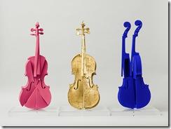 Arman-Hommage-à-Yves-Klein-violons-x3