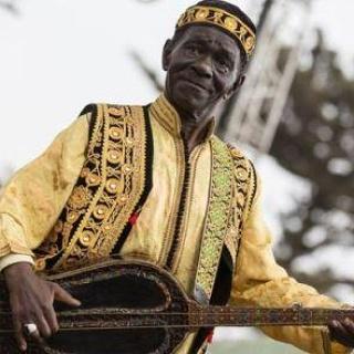 Moroccan Gnawa musician El Maâlem Mahmoud Guinea