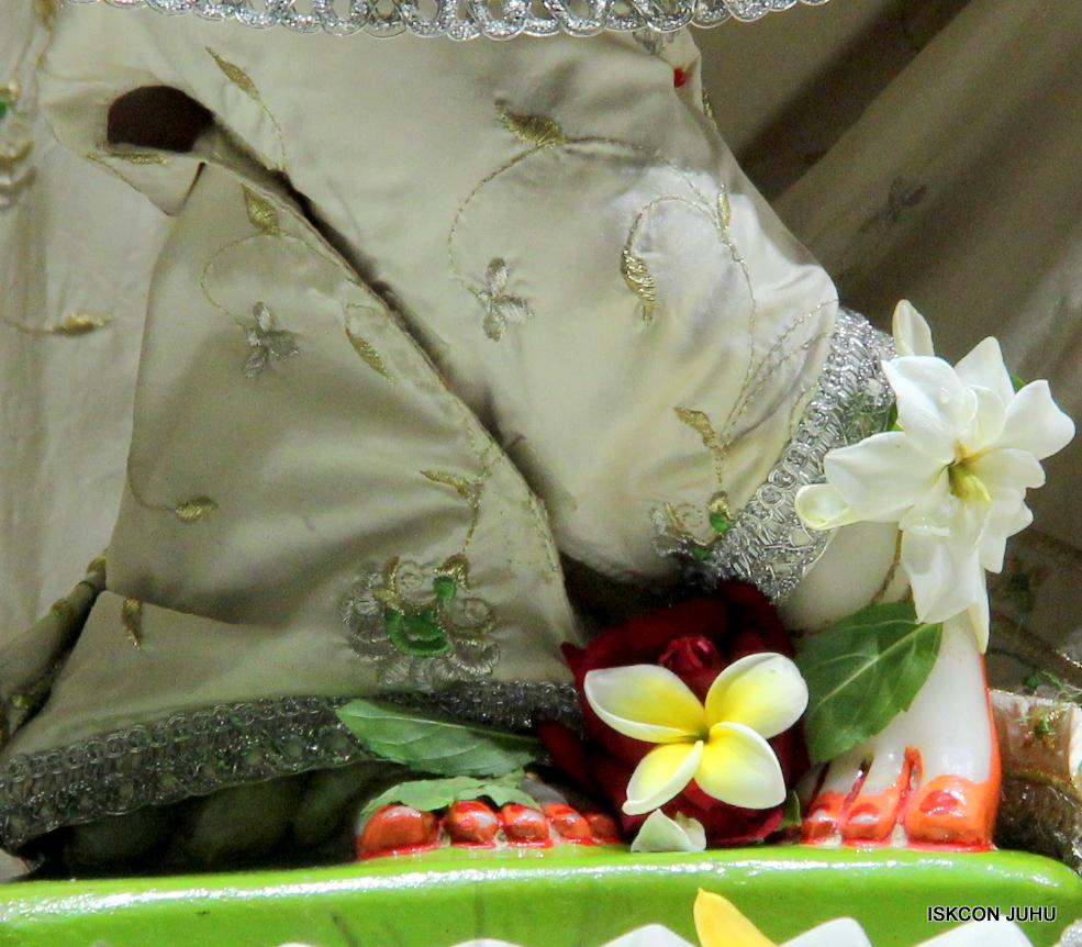 ISKCON Juhu Mangal Deity Darshan 21 Jan 16 (25)