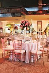 Album (digital) de fotos de Tijuca Tênis Clube | Tijuca. Fotografias digitais da Carla Flores, que faz decoração floral em eventos sociais e corporativos usando as mais lindas flores. Faz bouquet (buquê) de noiva, decoração de casamento, decoração de festas, decoração de 15 anos, arranjos de mesa, decoração de salão de festa, locação de mobiliário, decoração de igreja, arranjos de casamento e decoração dos mais lindos eventos. Atua em Niterói, Rio de Janeiro (RJ).