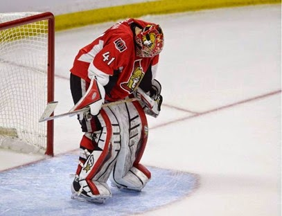 ottawa-senators-goalie-craig-anderson-stands-in-his-crease-d