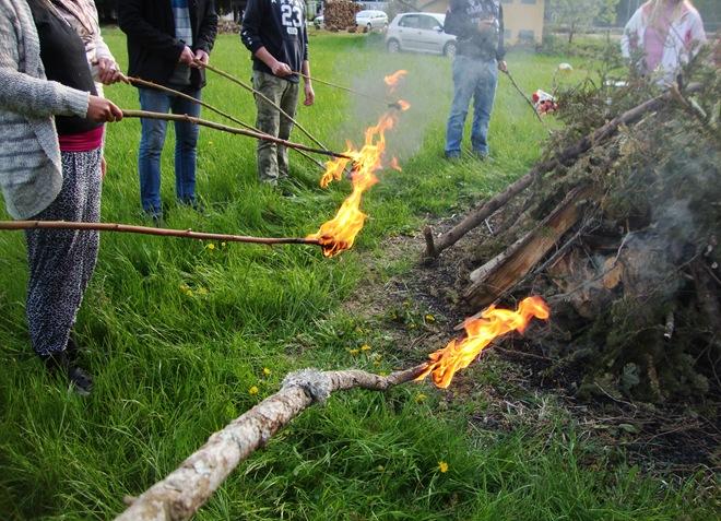 hoja po žerjavici priprava ognja