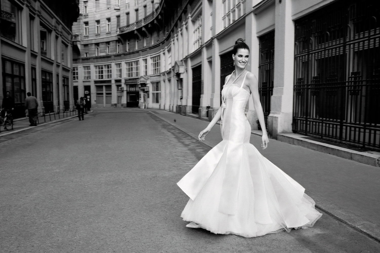 Wedding Dress ; Modern Way to