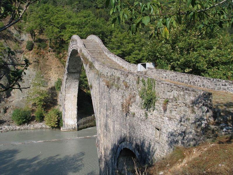 plaka-bridge-3