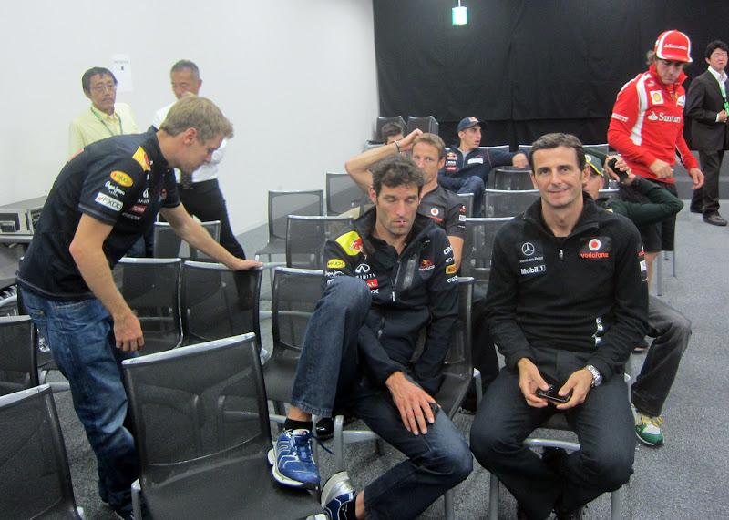 гонщики на встрече GPDA на Гран-при Японии 2011