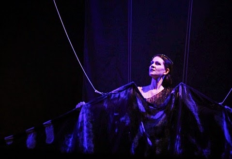 DYNAMIC DIVA FROM DOWN UNDER: Mezzo-soprano DEBORAH HUMBLE as Erda in Richard Wagner's SIEGFRIED at Oper Halle, 2013 [Photo © by Oper Halle]