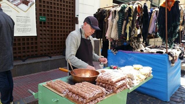 השוק-בסן-טלמו.jpeg
