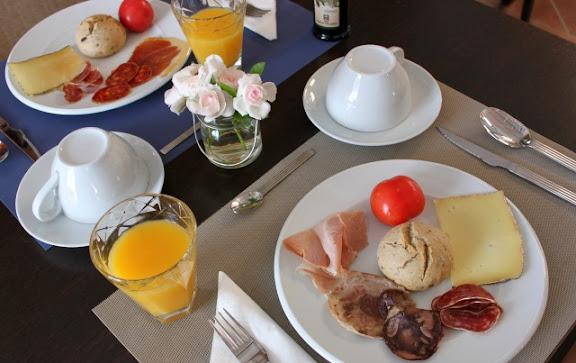 Esmorzar Casa Anamaria.jpg