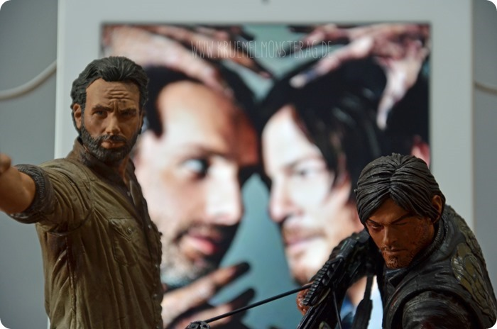 #twd (16) The Walking Dead McFarlane Action Figure Deluxe Rick Grimes and Daryl Dixon