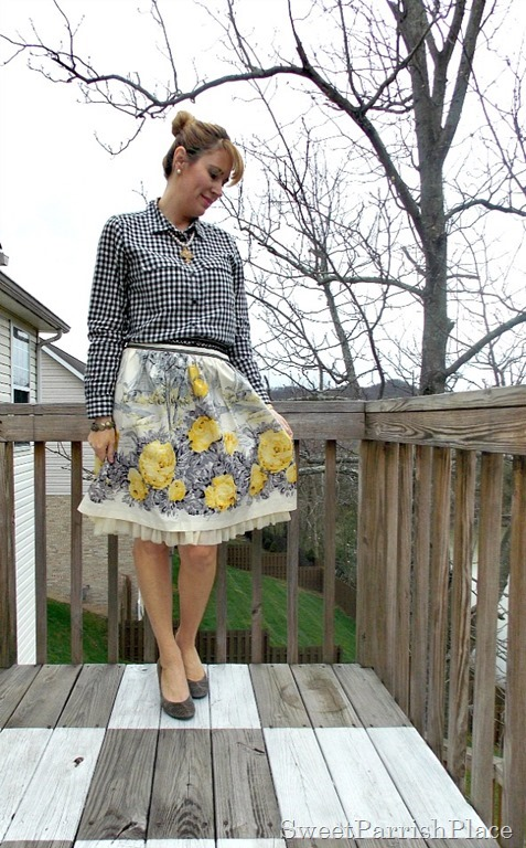 Full floral skirt, plaid shirt, grey pumps2