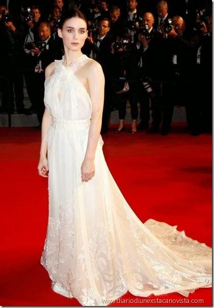 Rooney Mara in Olivier Theyskens per Rochas