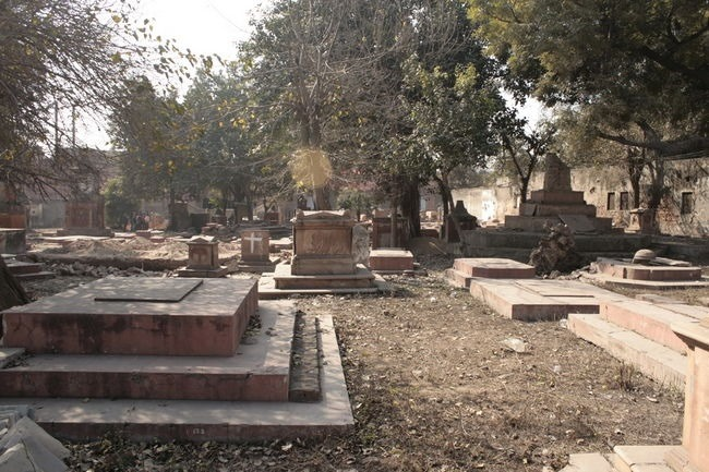 lothian cementry delhi