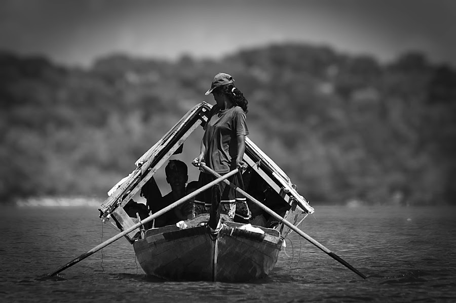 --  boat people  -- by Didit Fadjar - News & Events World Events ( photojournal, black and white, transport, indonesia, woman, people )