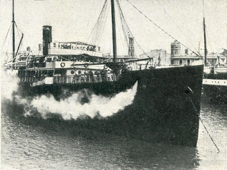 SS LUIS VIVES el dia de la presentación de la flota. 26-7-10. Foto de revista desconocida..jpg