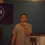 Emilio da la bienvenida a todos los asistentes