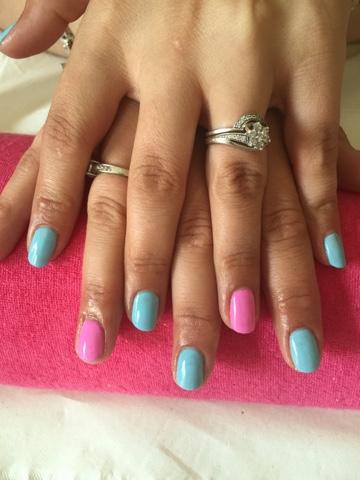 Aqua pink nails