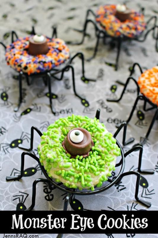 Monster-Eye-Cookies-as-seen-on-JennsRAQ.com_