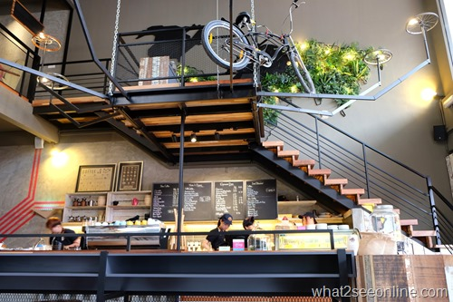 Cycling and Exploring Bicycle Themed Cafes In Penang