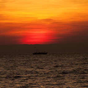 end of a day by Samrat Sam - Landscapes Sunsets & Sunrises ( water, sky, sunset, sea, boat )