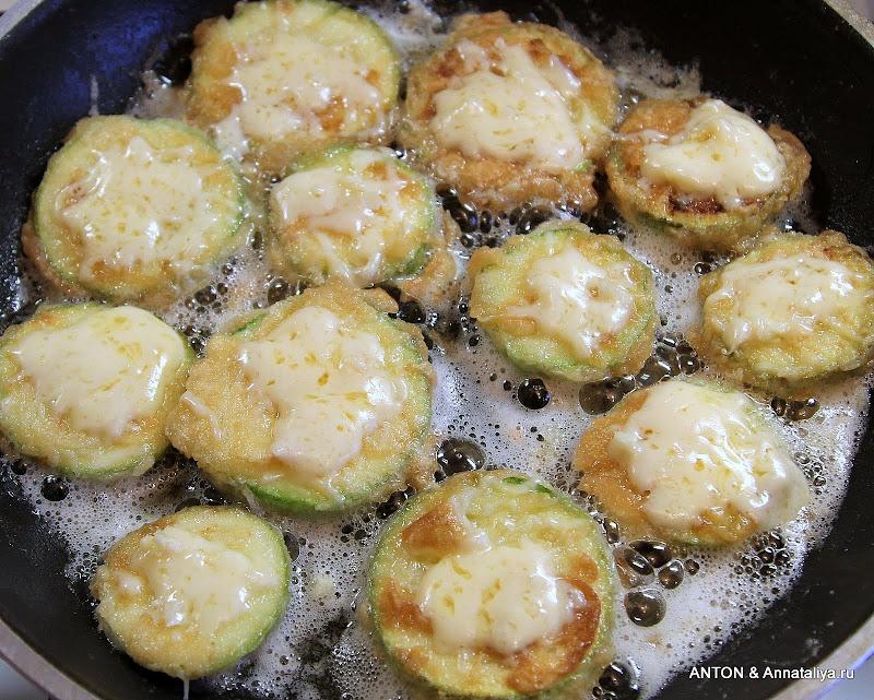 Кабачки в кляре рецепт с сыром
