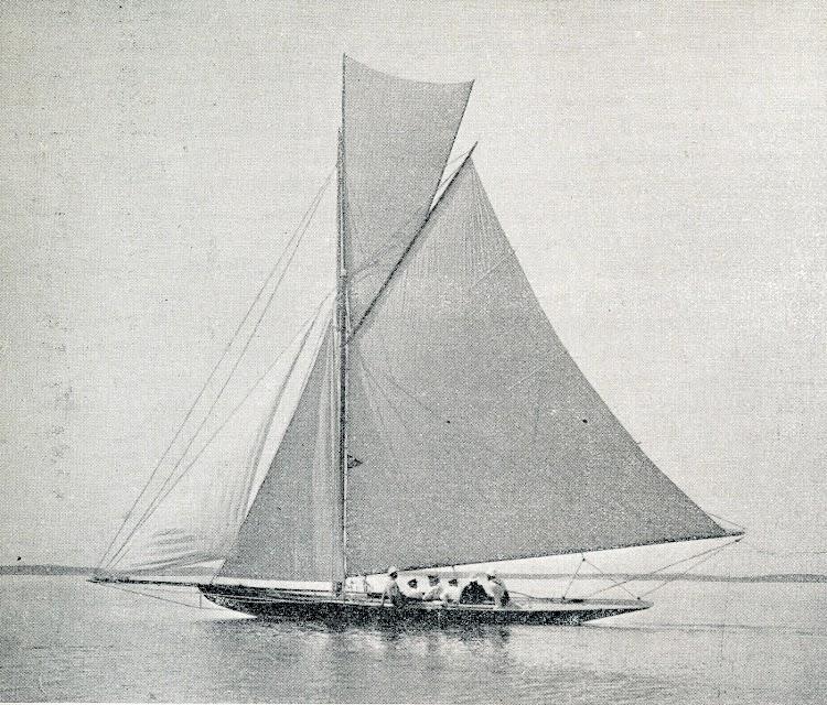 La balandra GITANA. Revista El Mundo Naval Ilustrado. Año 1901.JPG
