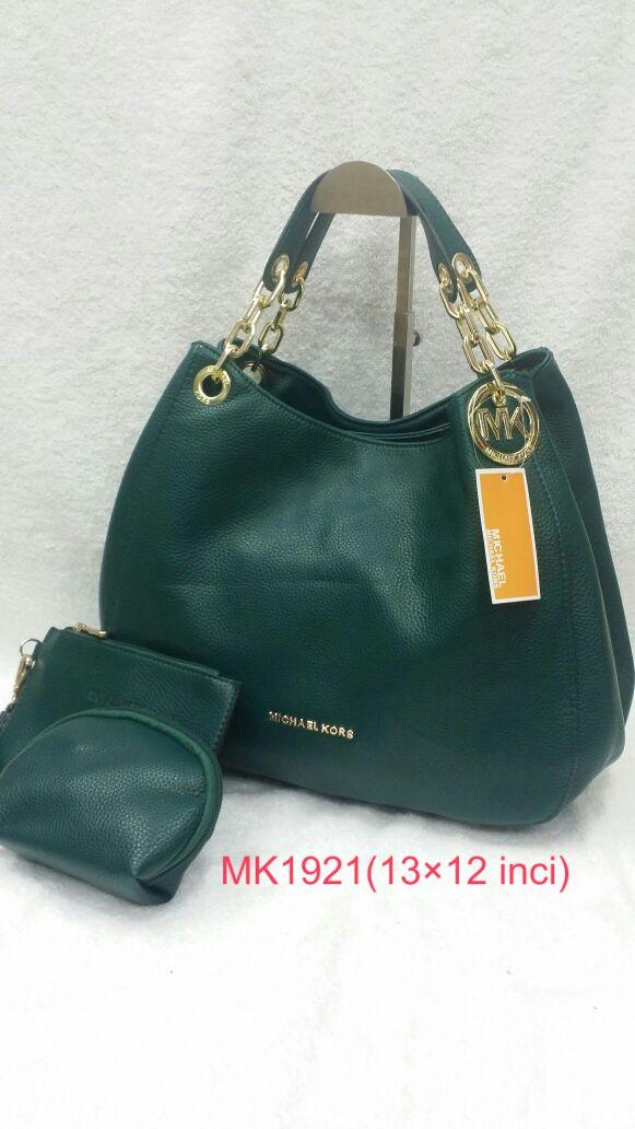Handbags   Closets  Beg Tangan Raya MK dan Burberry yang HOT! 6825bf58de1