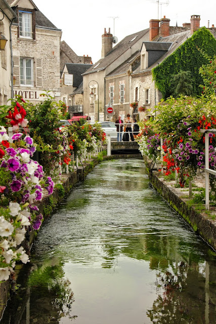 Loire Valley  , France - カバー