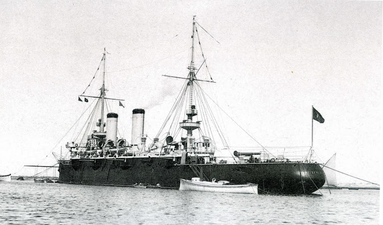 Crucero acorazado PRINCESA DE ASTURIAS. Foto del libro 50 AÑOS DE RETRATO NAVAL MILITAR. (1870-1920).jpg