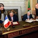 Signature d'un protocole de coopération interparlementaire entre le Conseil de la nation et le Sénat français
