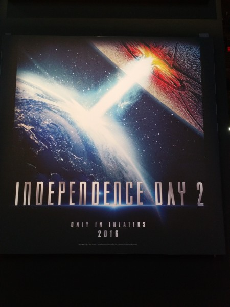 Independance 2 Poster