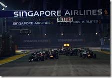 La partenza del gran premio di Singapore 2014