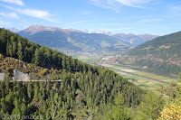 Vom Penser Joch (2211m) runter nach Sterzing ins Sterzinger Becken und beim dortigen Milchhof das Käsesortiment beäugen.