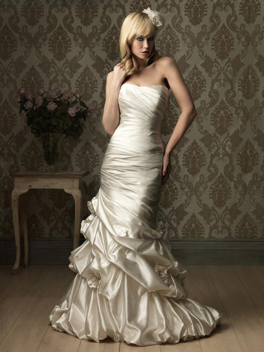 Romantic Ruched Satin Lace
