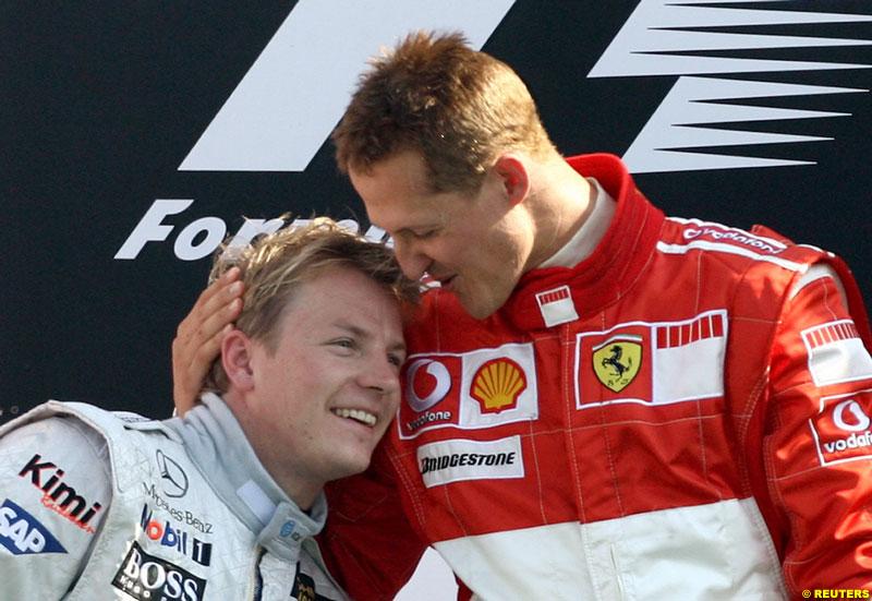 Кими Райкконен и Михаэль Шумахер на подиуме Гран-при Италии 2006 в Монце