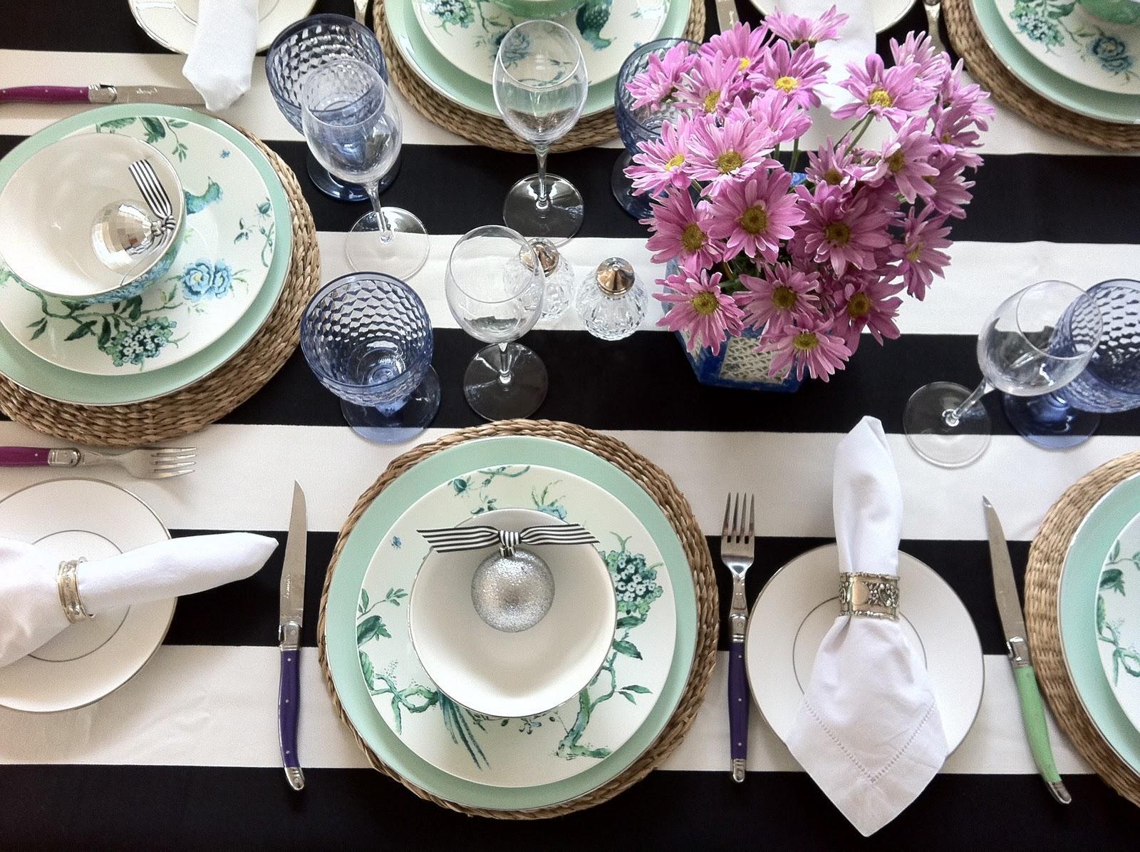 Table Style 2- Black & White