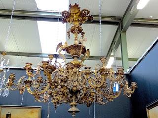 Антикварная люстра из бронзы. ок.1830 г. Бронза, золочение. 125/115 см. 13000 евро.