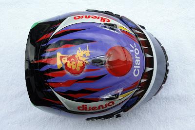 шлем Камуи Кобаяши от Linkin Park на Гран-при Бразилии 2011 - вид сверху