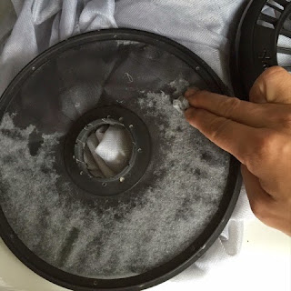 Remove the lint using fingers
