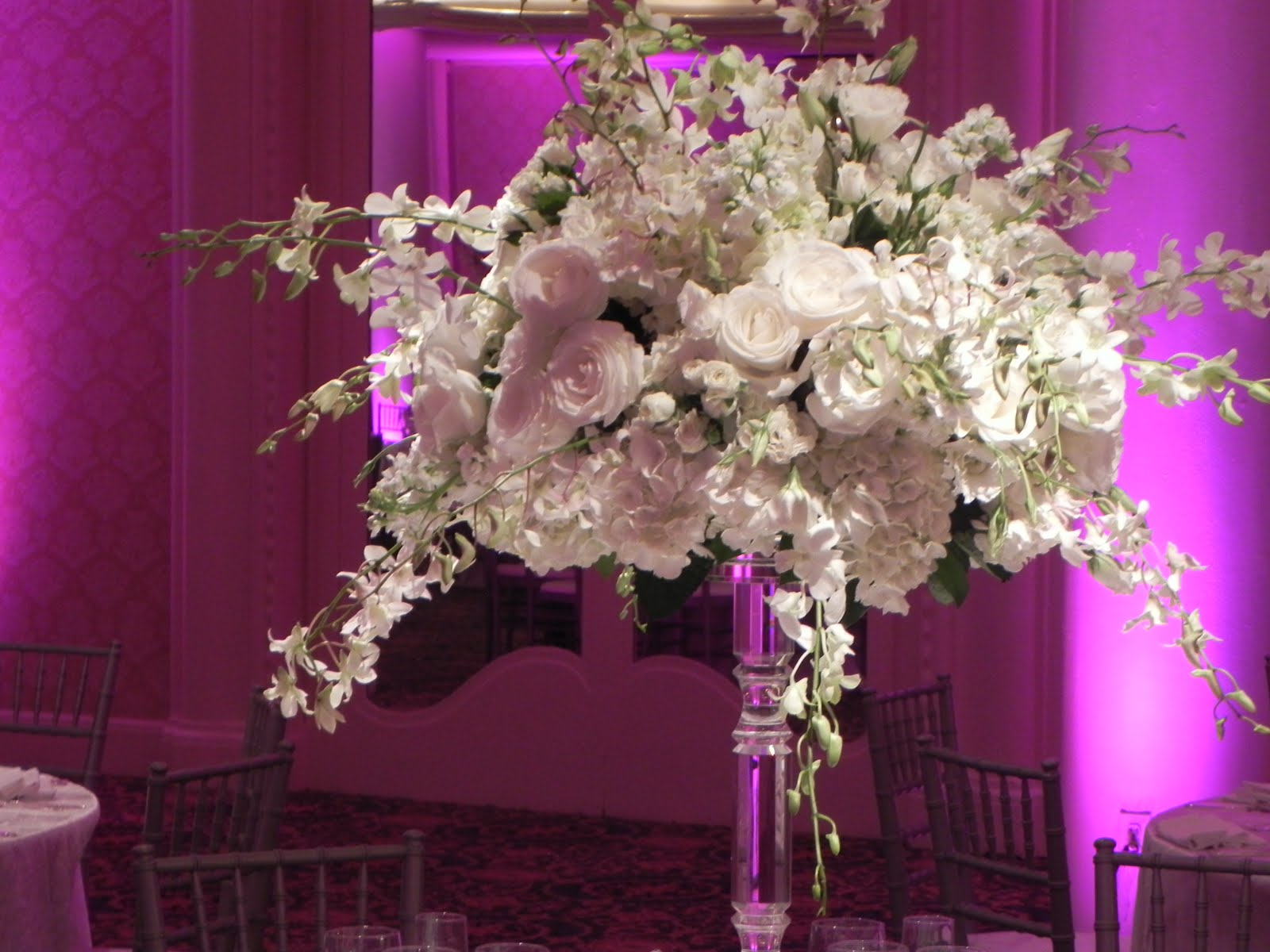 beach-wedding-decoration-ideas wedding centerpieces with lamps