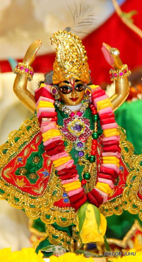 ISKCON Juhu Sringar Deity Darshan 09 Feb 16 (50)
