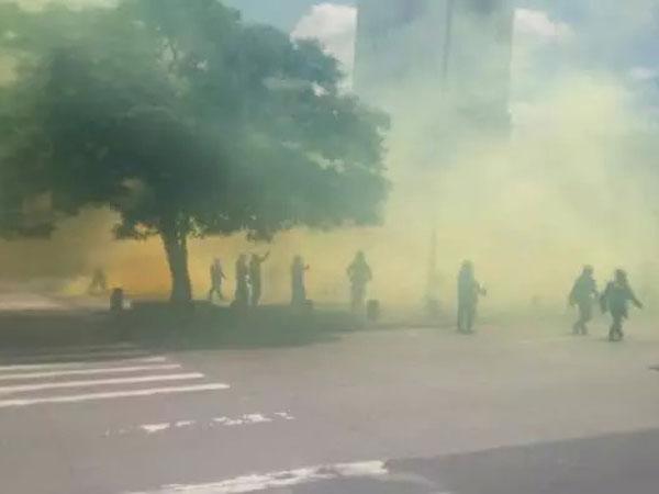 Varios heridos por arremetida del Esmad a marcha de la salud en Medellín