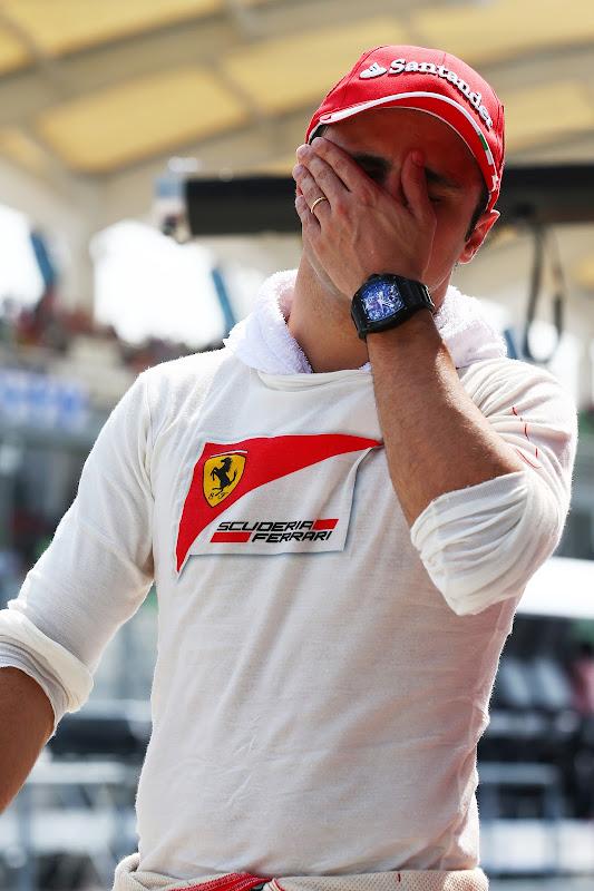Фелипе Масса фэйспалмит на Гран-при Малайзии 2013