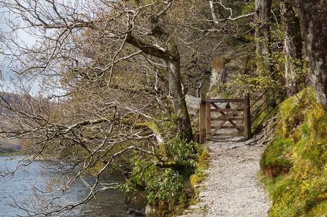 Walking around Buttermere lake
