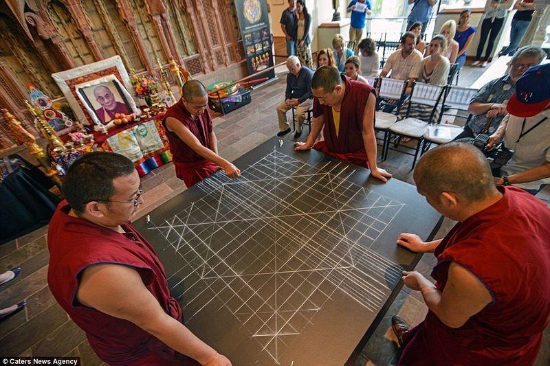 tibetan-sand-mandala-1