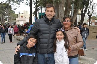 El intendente Juan Pablo de Jesús compartió junto a las familias las actividades organizadas por la comuna