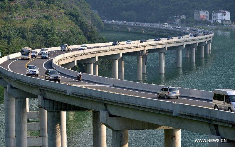 china-overwater-highway-2